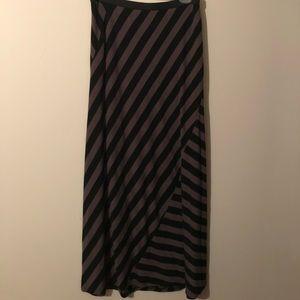 Cool long skirt size MED